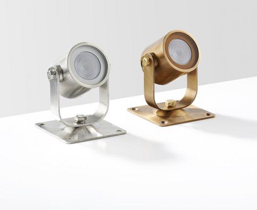 ul010-stainlesssteel-brass-lifestyle-print
